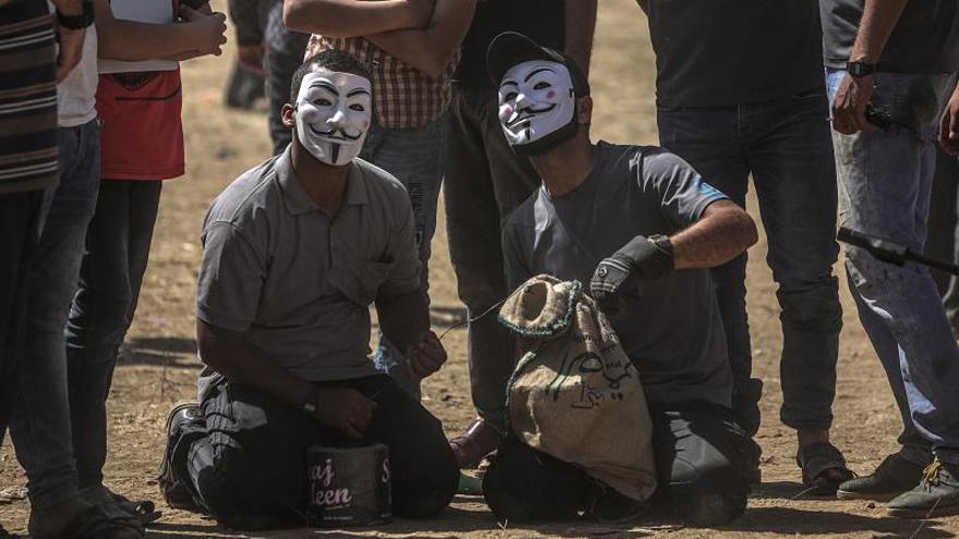 Los palestinos en Gaza volarán 5.000 cometas y globos incendiarios hacia Israel