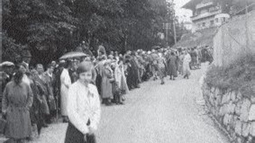 """Cuando Hitler llegó al poder, la zona empezó a recibir peregrinos simpatizantes del nazismo que querían ver al """"fuehrer"""" en persona. Foto de 1934"""