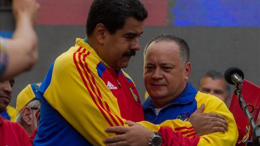 Maduro dice que quien se mete con Diosdado Cabello se mete con él