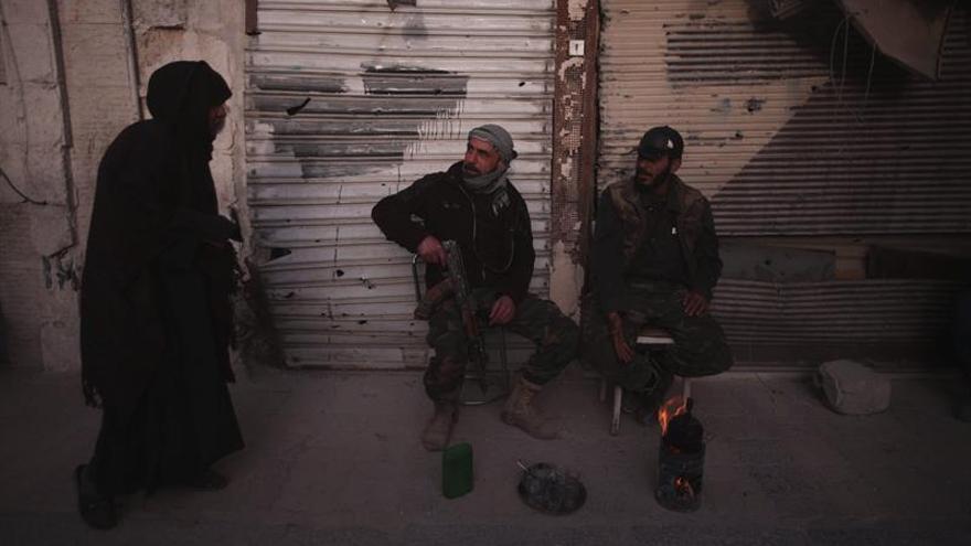 Las FSD cercan completamente la urbe siria de Al Tabqa, controlada por el EI