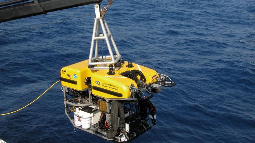 Los científicos solían recoger datos sumergiendo equipos de medición