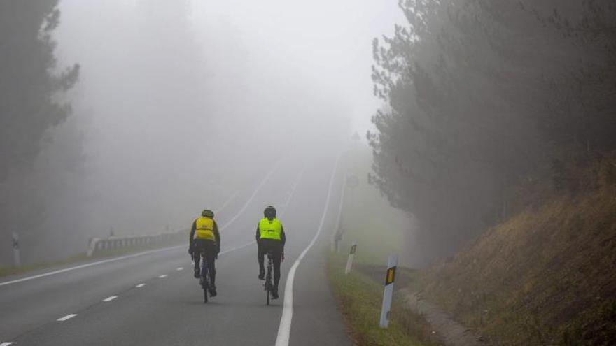 La niebla reduce la visibilidad en 290 kilómetros de autovía de Castilla y León