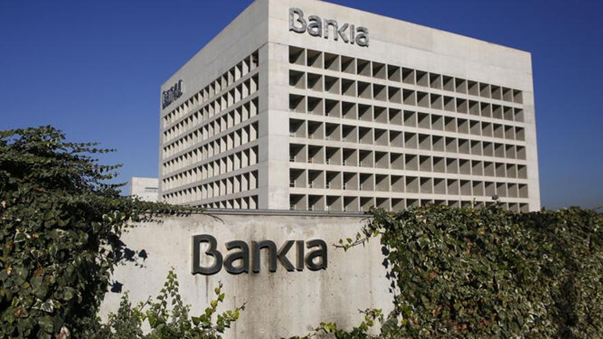 CaixaBank fulmina la sede territorial que tenía Bankia en Granada y la traslada a Málaga