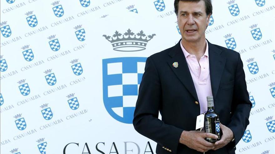 """Cayetano de Alba admite que podría suceder como """"imagen"""" de marca a su madre"""