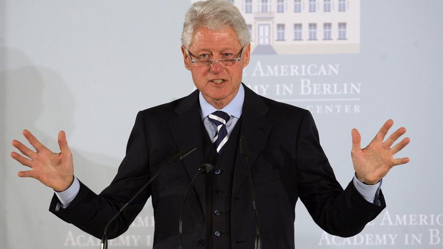 Clinton transmite al rey de España confianza en que su país saldrá de la crisis
