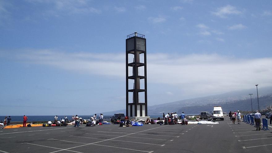 Faro de Puerto de la Cruz, en la zona de aparcamientos del muelle pesquero, en una imagen de archivo