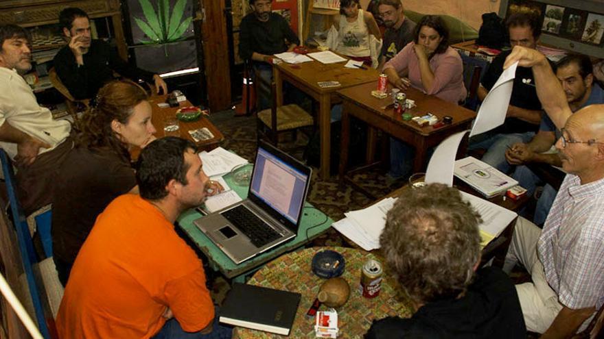 Asamblea de la Federación de Asociaciones Cannábicas FAC en Madrid, sobre los clubs de consumidores de marihuana.