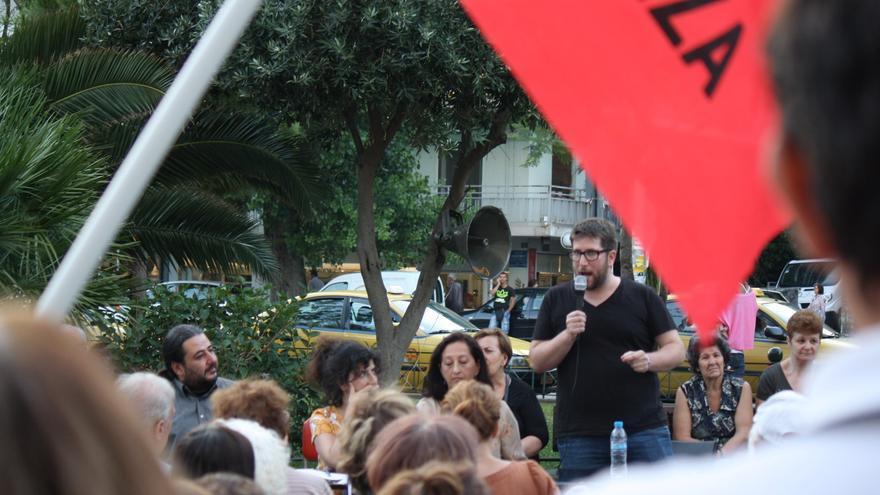 El eurodiputado de Podemos Miguel Urbán, en un acto de Syriza a favor del 'no' en el referéndum del 5 de julio. / Andrés Gil