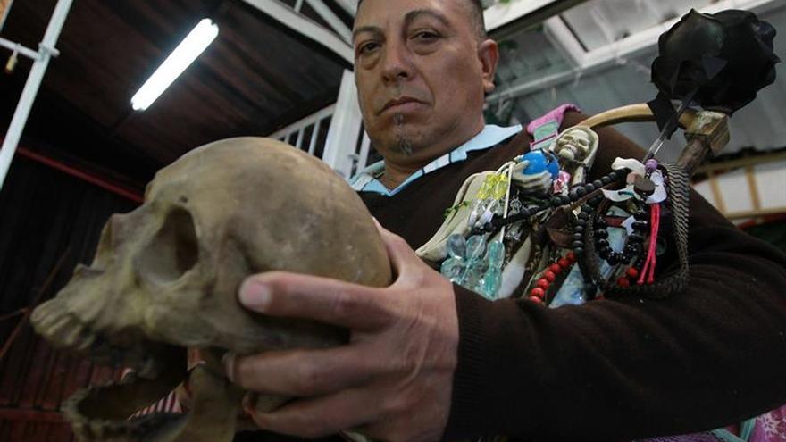 La Santa Muerte, un culto popular que resiste a críticas y balas