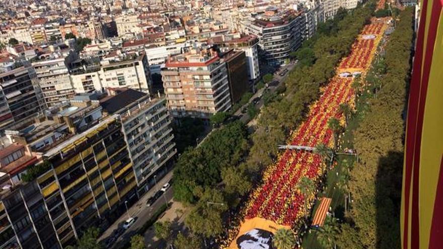 Imagen aérea de la 'V' en su columna de Diagonal / @araeslhora