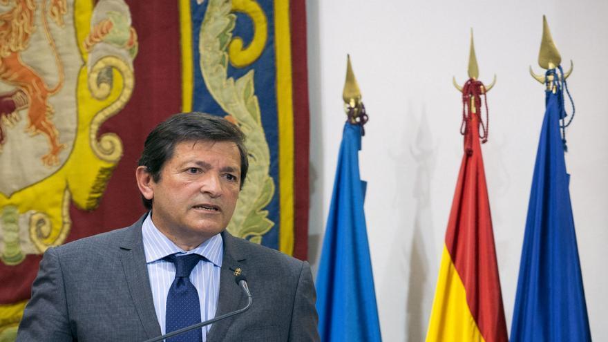 Javier Fernández deja en manos del partido la primera ronda de las negociaciones sobre los presupuestos de 2014.