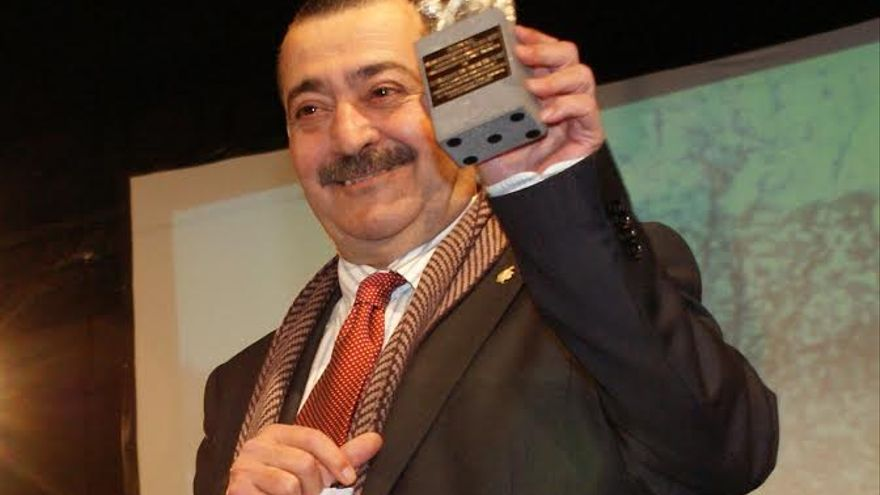 El periodista Adolfo Santana fue distinguido en el año 2011 con la Almendra de Plata, galardón que cada año otorga el Ayuntamiento de Valsequillo.