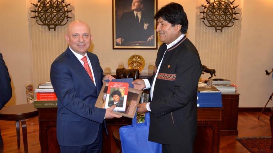 Evo Morales inicia la primera visita de un presidente boliviano a Turquía