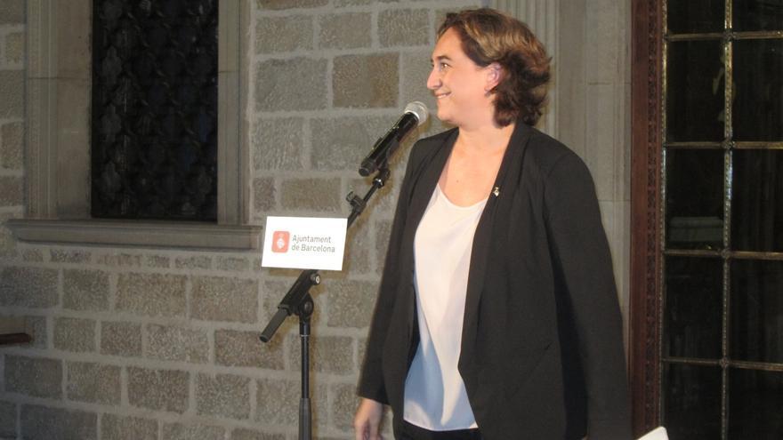 Ada Colau y Carme Forcadell se reúnen este martes en el Parlament