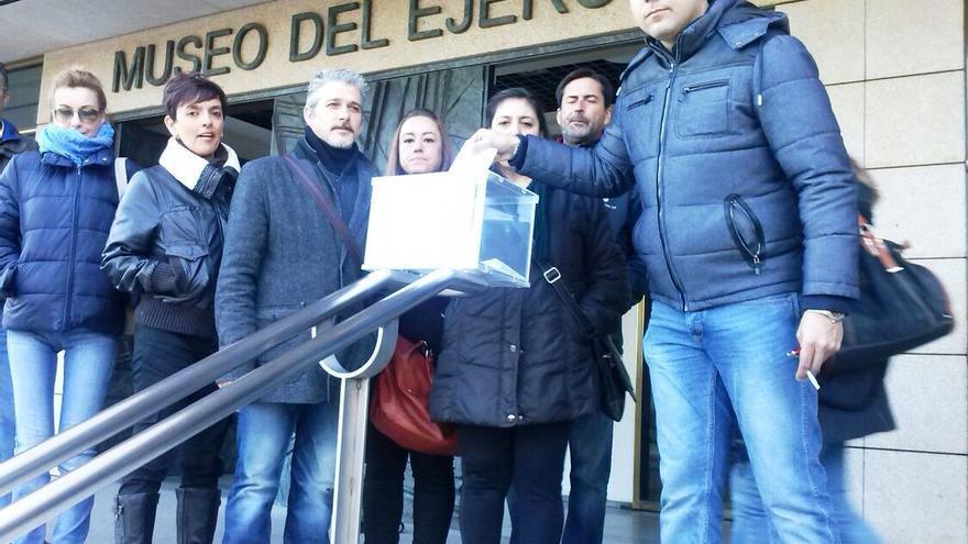 Elecciones sindicales del Museo del Ejército celebradas en la calle el 4 de diciembre de 2014 / CCOO