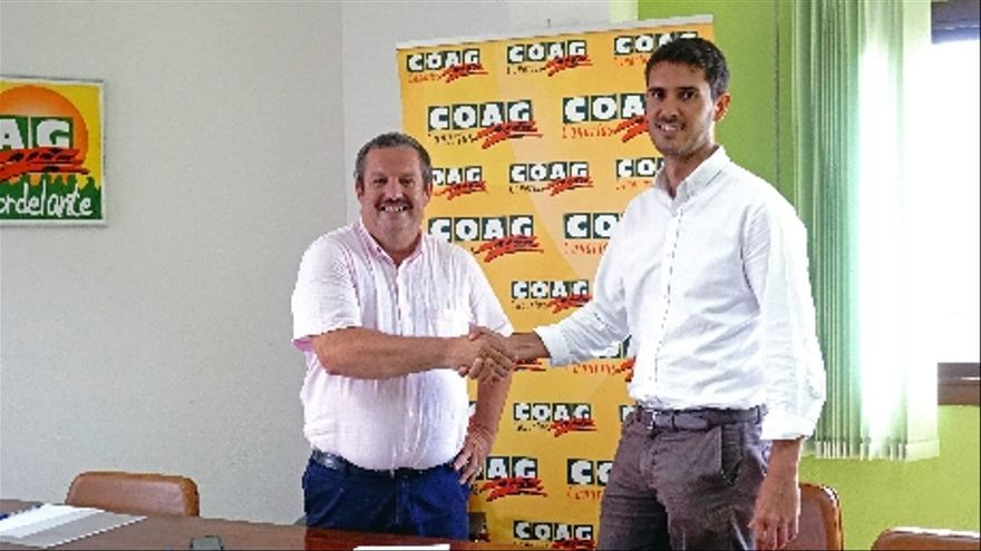 Rafael Hernández, presidente de COAG-Canarias a nivel regional, y Yerou Lobo, responsable del área agrícola de Lopesan.
