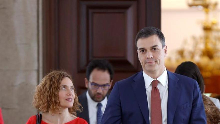 El gobierno de Pedro Sánchez pretende promover un acercamiento a Quim Torra antes del verano.