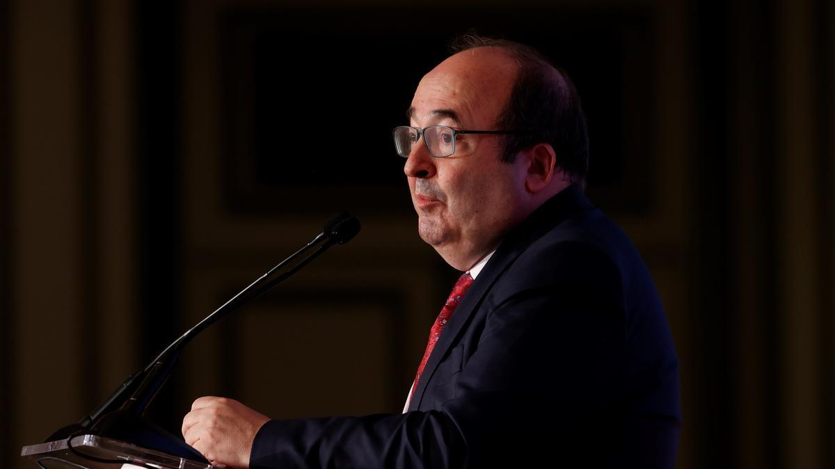 El hasta ahora ministro de Política Territorial, Miquel Iceta.  EFE/J.J. Guillén