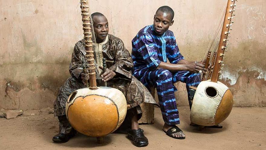 Toumani Diabaté y su hijo Sidiki.