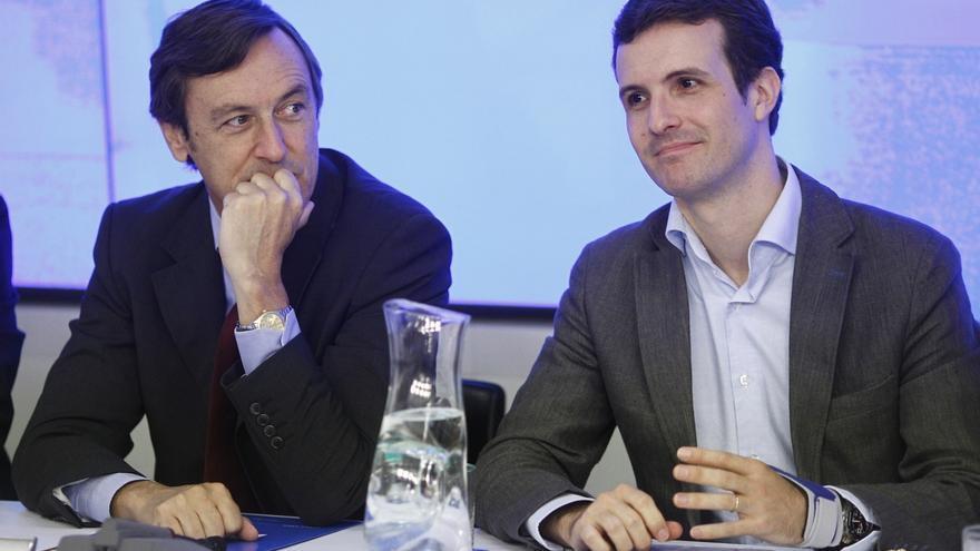 """El PP se declara """"optimista"""" tras las reuniones de Rajoy con Sánchez y Rivera"""