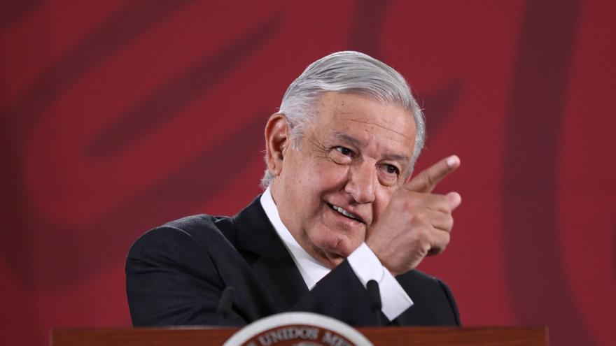 """López Obrador: """"Transformación, imparable, aunque no guste a The Economist"""""""