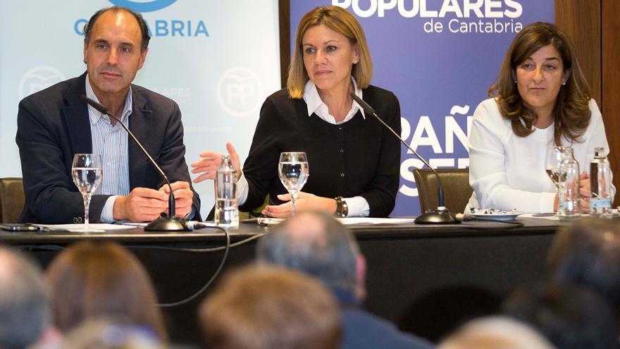 Ignacio Diego, María Dolores de Cospedal y María José Sáenz de Buruaga.