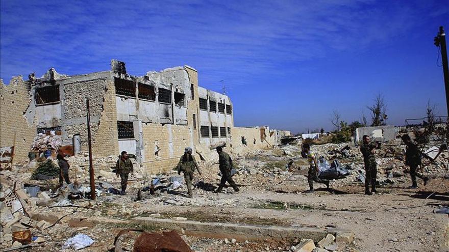 Más de 100 muertos en la batalla para romper el cerco del EI a un aeropuerto sirio