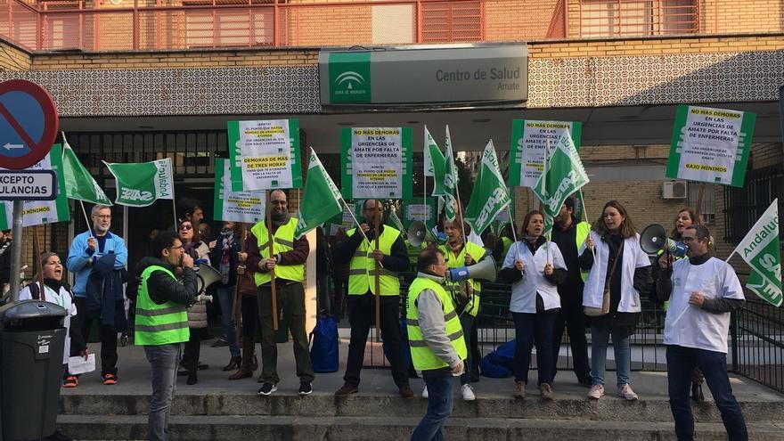 La equiparación salarial y los refuerzos de plantilla, temas prioritarios para los sindicatos