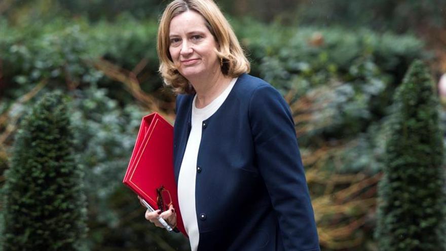 Rudd niega que la reducción de policías cause la ola de violencia en Londres