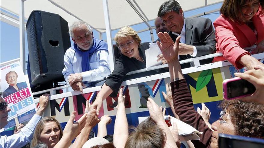 Los candidatos chilenos aparecen en una campaña para promover la participación ciudadana