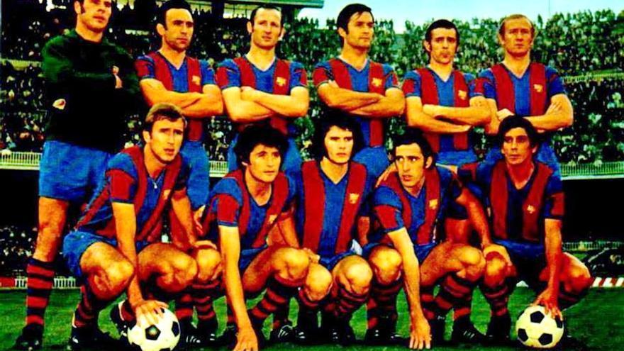 Formación del FC Barcelona de comienzo de la década de los 70 con Juanito y Barrios.