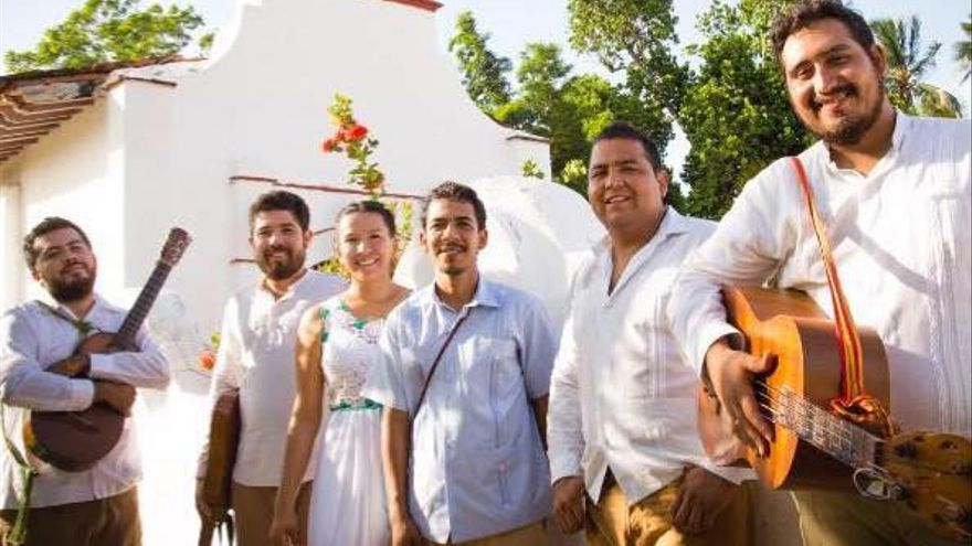 Grupo 'Los Pájaros del Alba'.
