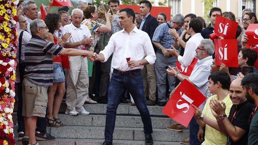 """Sánchez llama a """"los socialistas de corazón"""" a unirse para que haya cambio"""