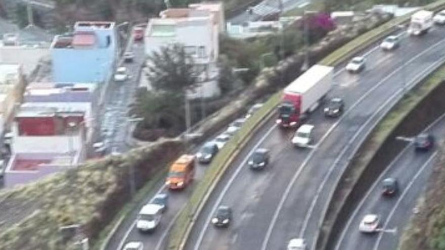 Imagen del accidente registrado este viernes en la Vía Exterior.