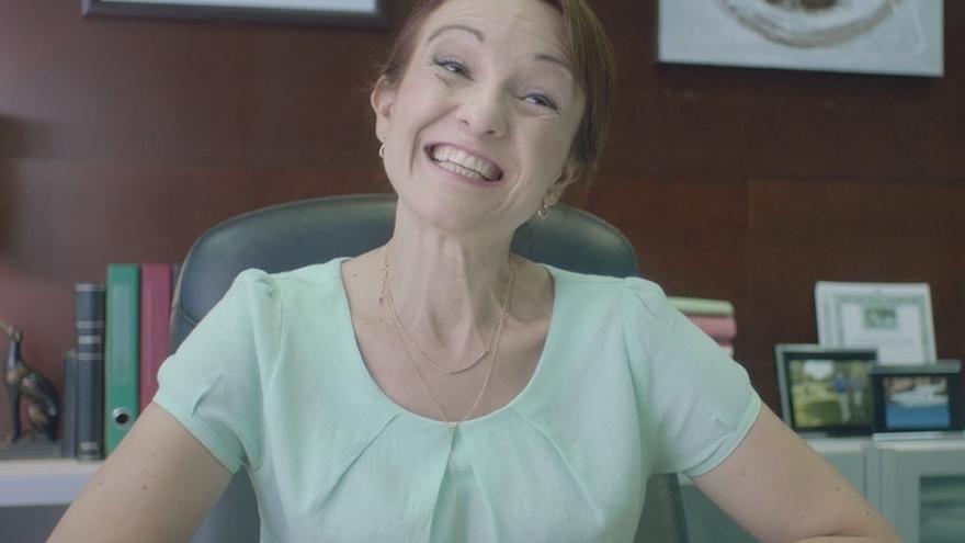 """El PP avisa en un vídeo de que Podemos pararía la economía: """"Sólo con sonrisas no se puede hacer funcionar el país"""""""