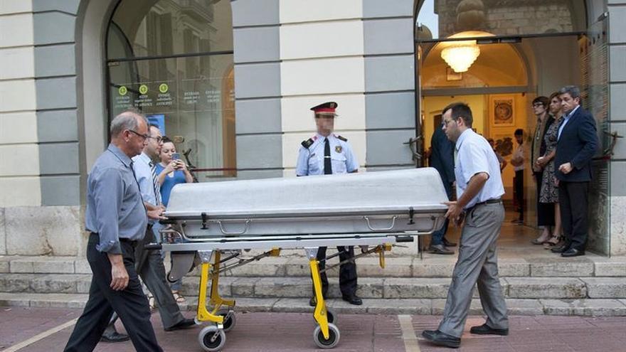 Acaba la exhumación de Dalí después de cuatro horas
