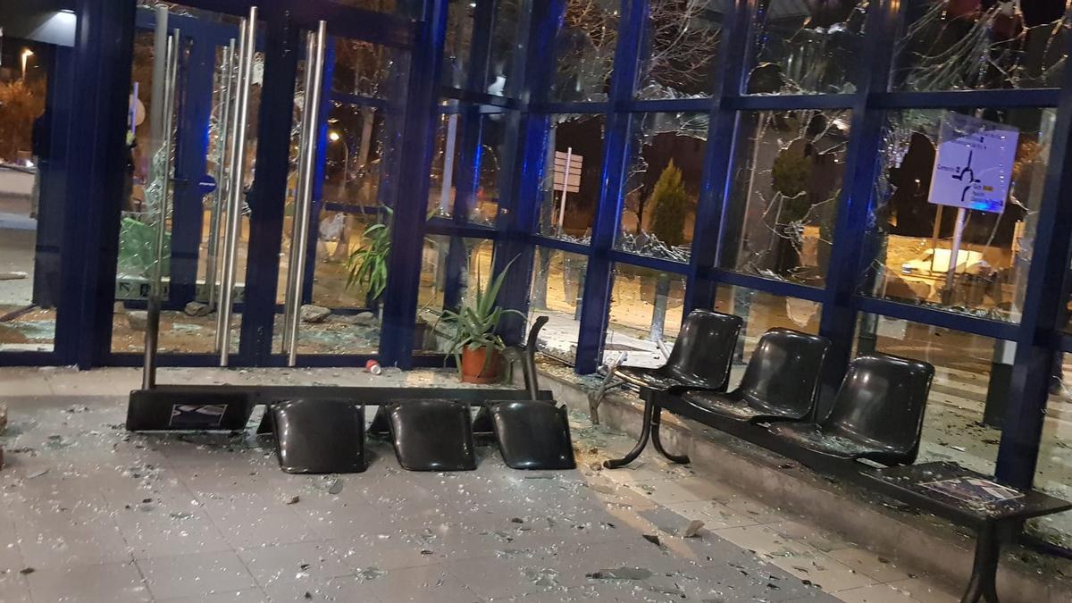 Comisaría de los Mossos de Vic tras su asalto