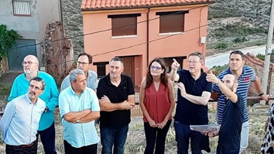 Varios miembros del Consell en su visita al Rincón de Ademuz.