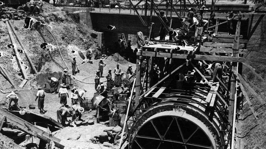 Construcción con trabajo esclavo del 'canal de los presos' para el Bajo Guadalquivir.