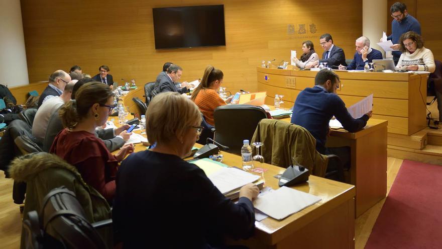 Un momento de la comisión de Hacienda celebrada en las Corts
