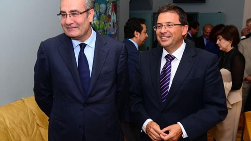 José Llorca, presidente de Puertos del Estado, junto a Luis Ibarra, presidente de la Autoridad Portuaria de Las Palmas