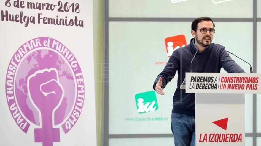 Garzón aclara que los hombres de IU estarán a disposición de la mujeres el 8M
