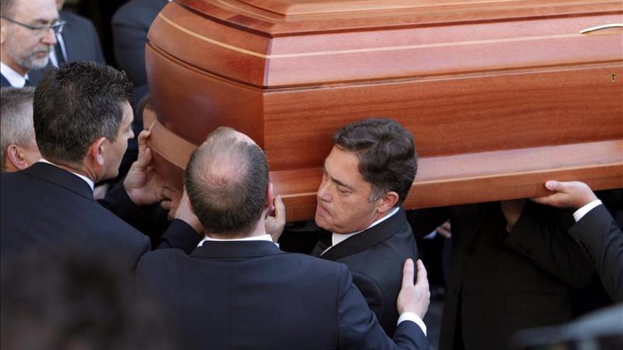 Zapatero suspende sus actos en Galicia para asistir al funeral de Isabel Carrasco