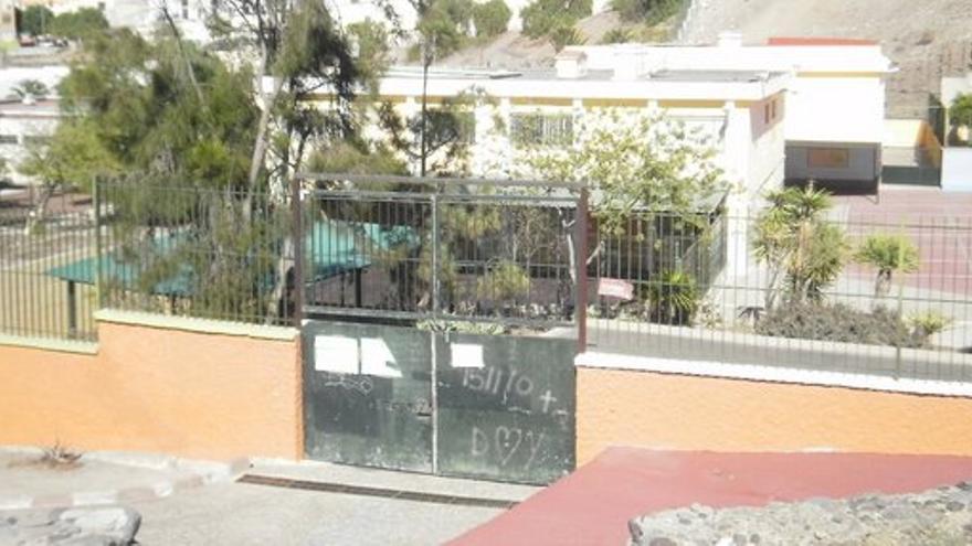 Uno de los accesos al antiguo CEIP Boliche.