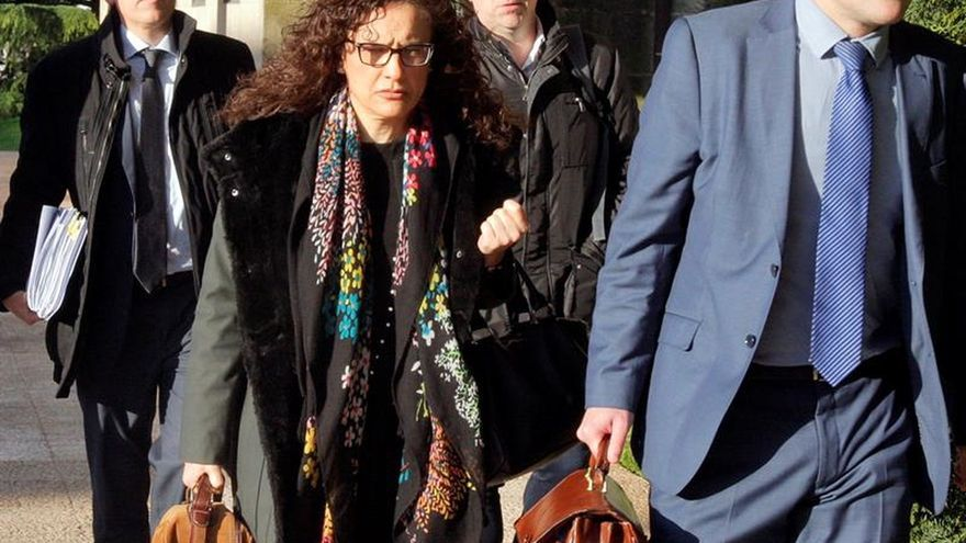 Llegan al juzgado los altos cargos de Sanidad investigados por la Hepatitis C