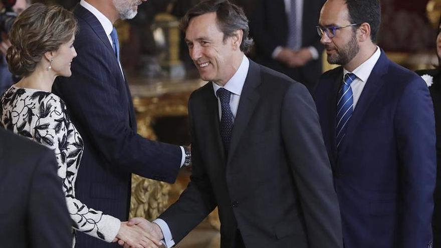 Socialistas y populares coinciden en que Rajoy podría ser investido el día 29