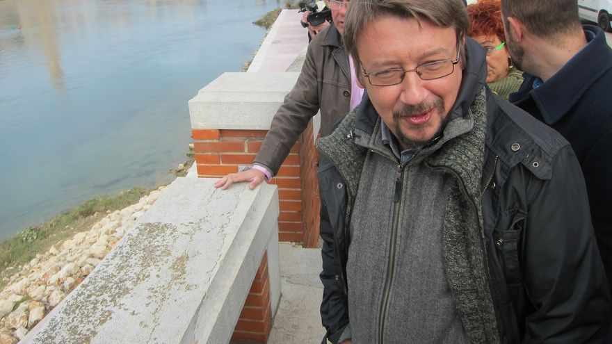 "El candiato de EnComúPodem Xavier Domènech ve a C's ""desesperados"" por vincular a Podemos con los amigos de ETA"