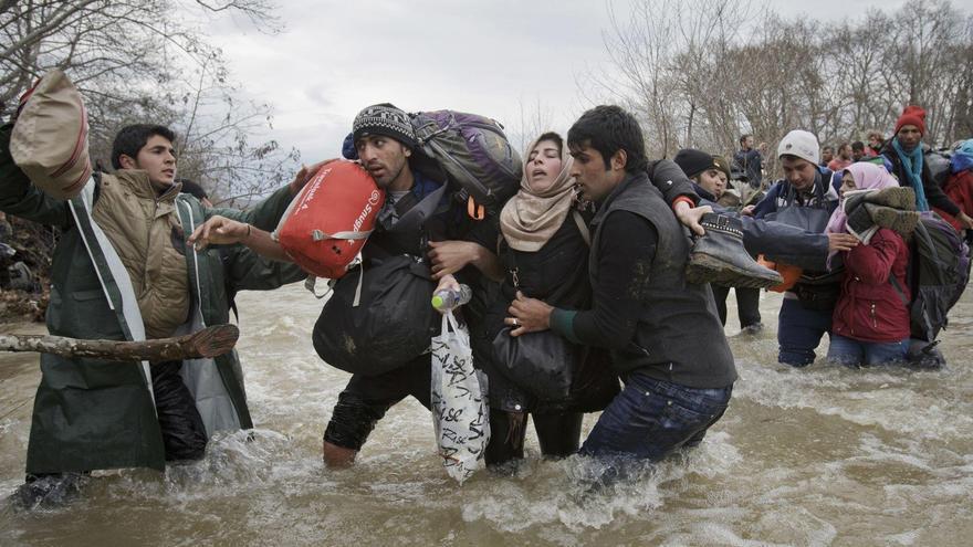 Migrant Crossing / Vadim Ghirda, Romania, The Associated Press
