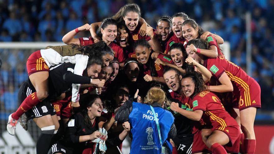 Fútbol: Las andaluzas Teresa Mérida y María López, campeonas del mundo