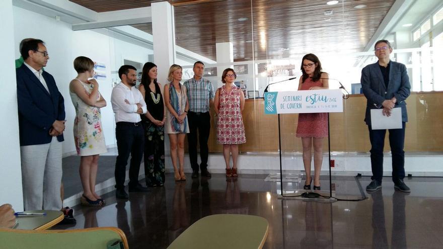 Ximo Puig y Mónica Oltra comparecen al finalizar el seminario del Consell en Torrevieja.